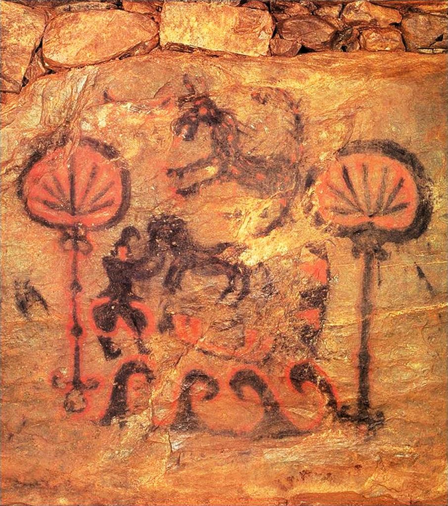 Japanisches Höhlenbildnis einer Hanfpflanze. Des Weiteren werden Pferde, Menschen und Wellen dargestellt. Die Maltechnik ist simpel.