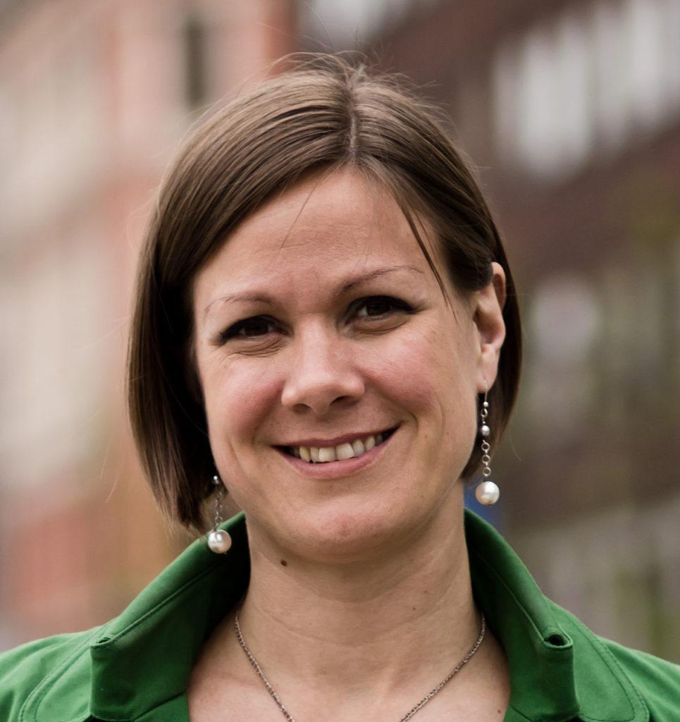 Porträtfotografie der Sprecherin der grünen Partei von Norwegen, Hanna Marcussen.