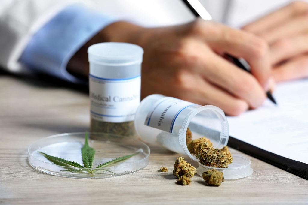 Verschiedene Möglichkeiten der Einnahme von medizinischem Cannabis
