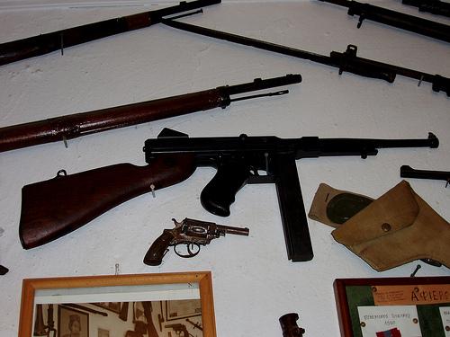 Une collection d'armes à feu appartenant à un résident de Crête - Blog Sensi Seeds