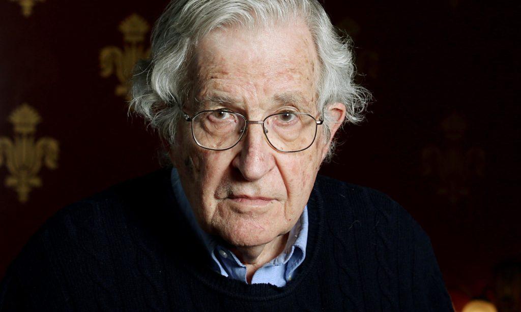 Noam Chomsky, según The New York Times, posiblemente el intelectual vivo más importante en la actualidad