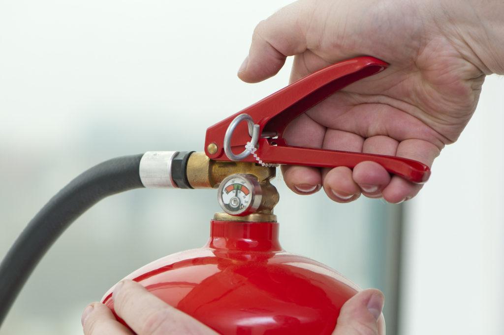Houd minimaal één brandblusser paraat bij uw kweekruimte