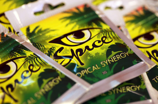 Spice contains of dried plant material and synthetic cannabinoids.