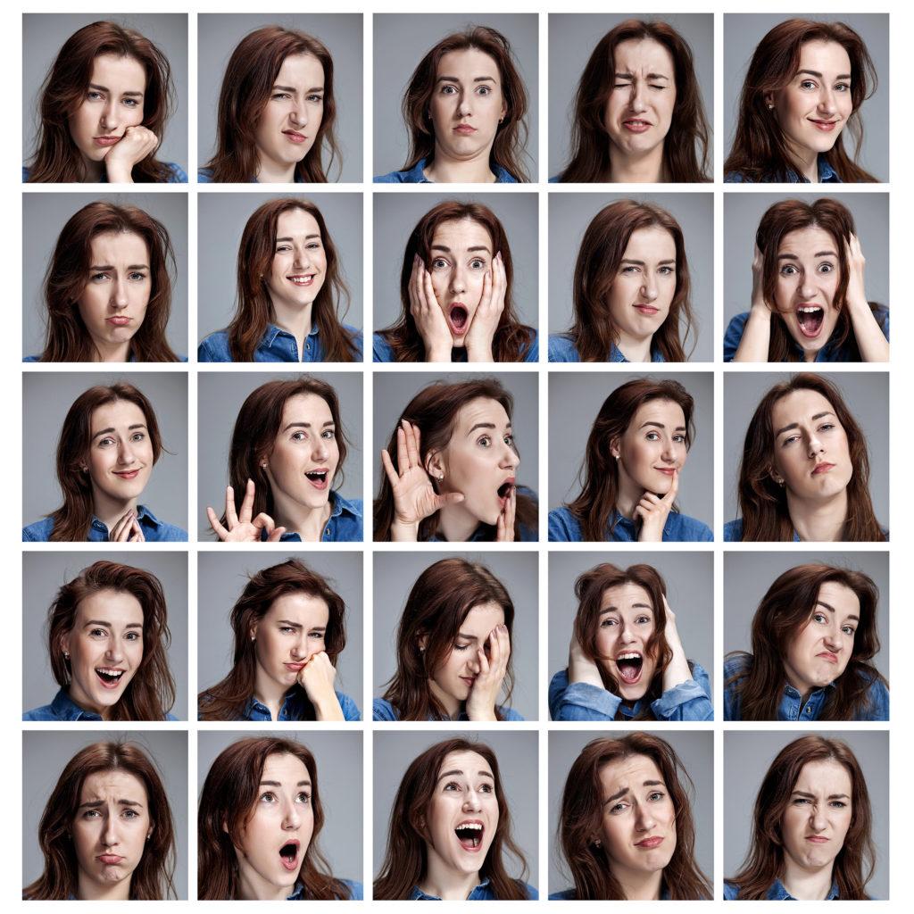 Een reeks portretfoto's van een jonge vrouw met verschillende emoties tegen een grijze achtergrond.