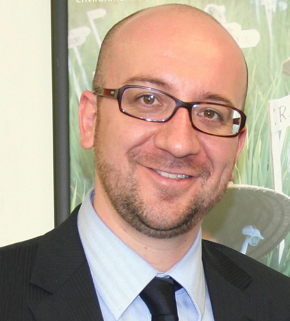 Fotografía del político belga y actual Primer Ministro de Bélgica, Charles Michel.