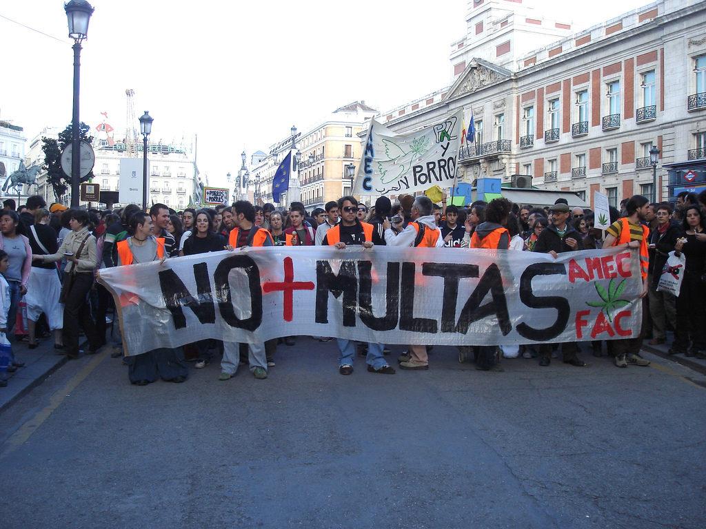 Obwohl eine Nicht-Bestrafung nicht dasselbe ist wie eine Legalisierung, besteht nun in Spanien die Möglichkeit, für den Eigenverbrauch bestimmtes Cannabis auf legale Weise anzubauen. FAC)