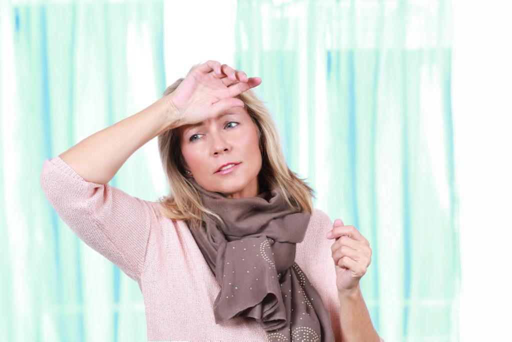 La menopausia suele empezar sobre los 45 años de edad y terminar hacia los 55