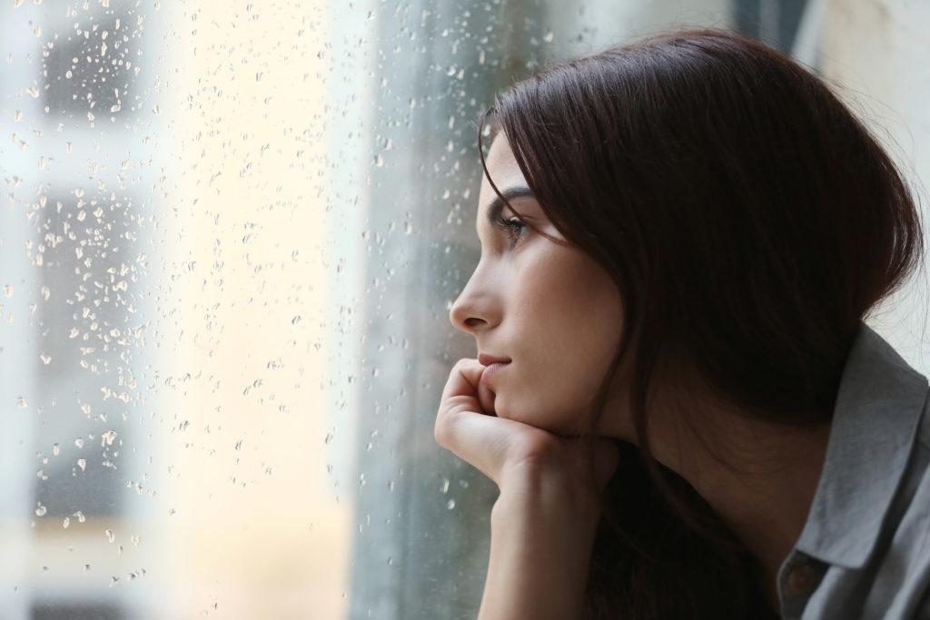 a dépression et les troubles émotionnels sont des symptômes courants de l'EM