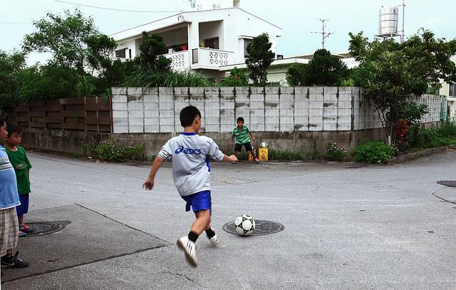 """Los niños diagnosticados con TDAH están """"en constante movimiento"""", inquietos, sin control, y suelen correr en exceso (© peace6x)"""