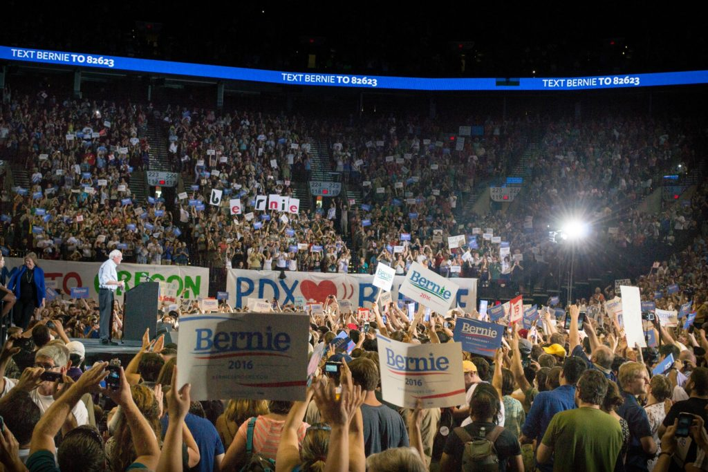 Bernie attracts the masses, filling stadiums with a capacity for 15,000 people (CC. Benjamin Kerensa) - Sensi Seeds