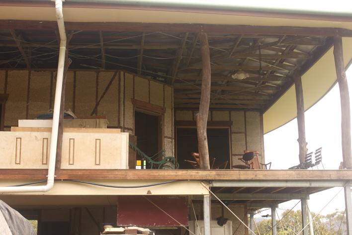 Hempcrete debe ponerse sobre un marco de madera o de acero (© stuff tara has seen)