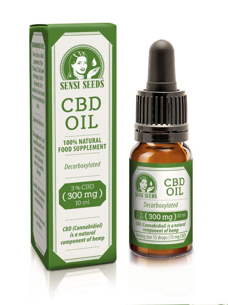 Productfoto van CBD-olie van Sensi Seeds, waarbij links de wit-groene verpakking en rechts de bruine fles met wit-groen etiket te zien is. Het gaat om een 10 ml-flesje met in totaal 300 mg CBD.