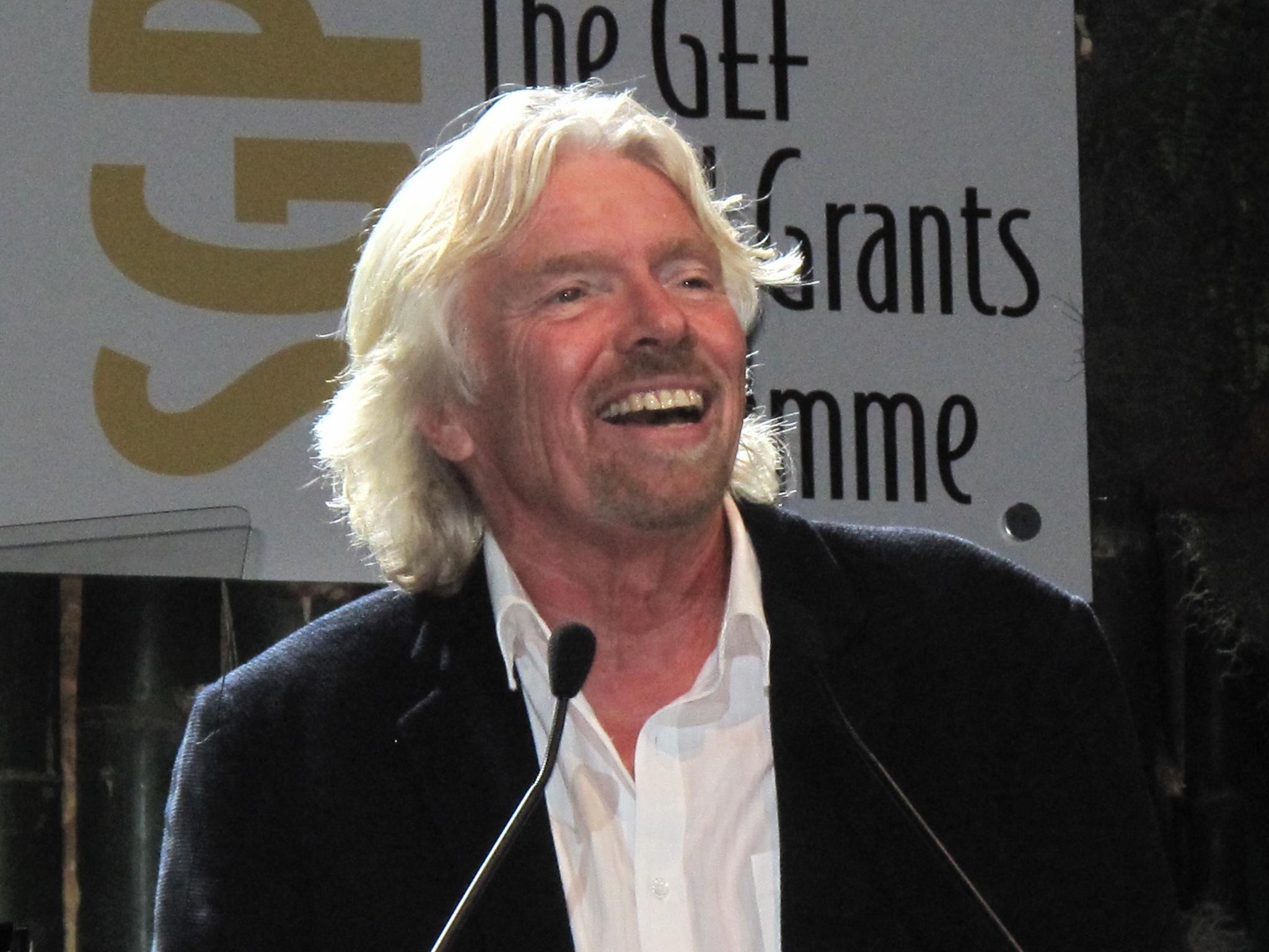 Richard Branson empfängt den Cannabis Culture Award im Namen der Weltkommission für Drogenpolitik im Jahr 2012 (CC. UNclimatechange)