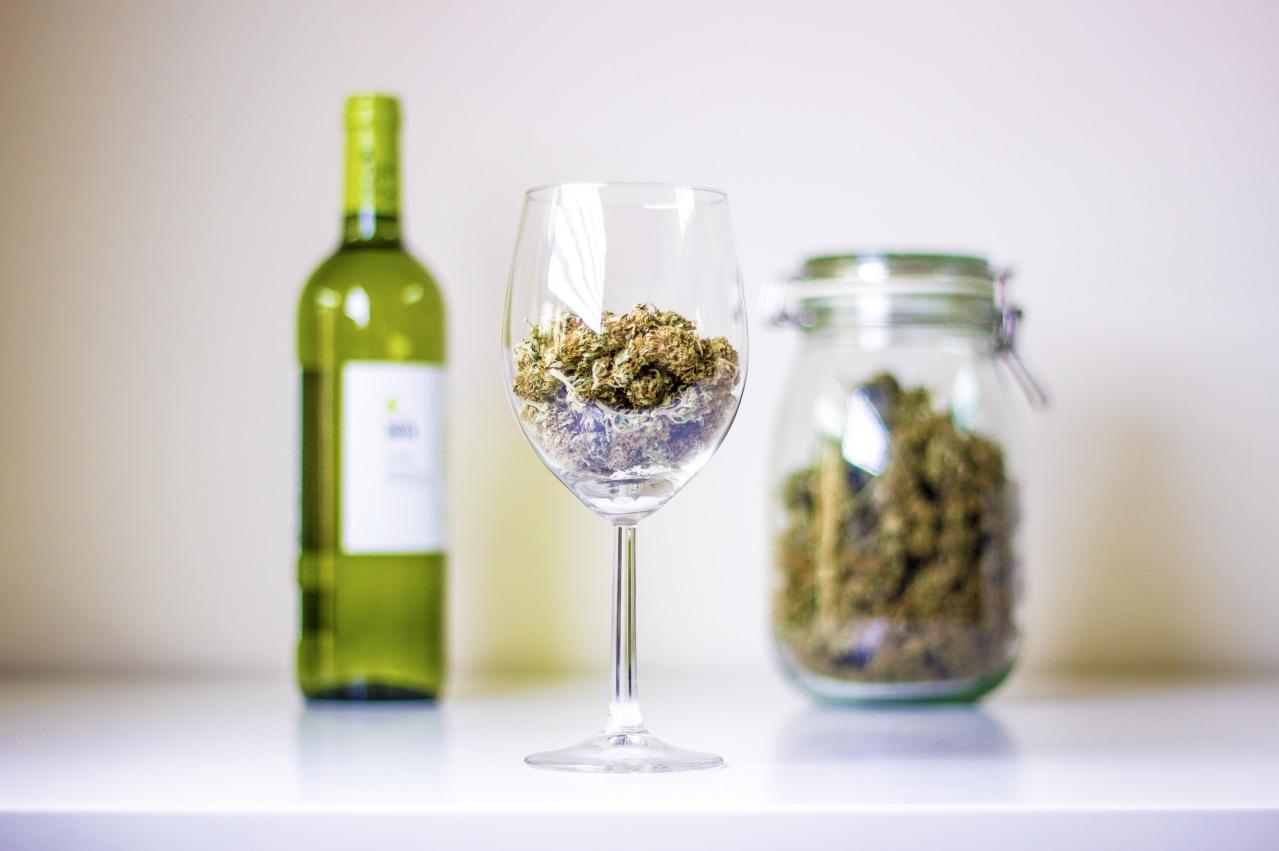 de toekomst van het cannabisbeleid in pakhuis de zwijger amsterdam. Black Bedroom Furniture Sets. Home Design Ideas