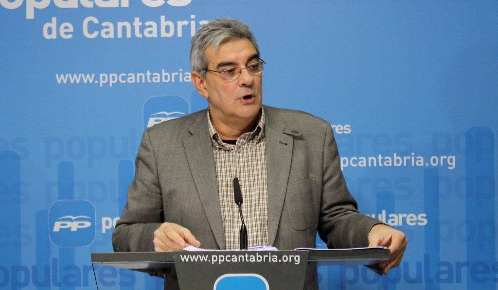 Eduardo Van den Eynde es el actual portavoz del PP en el parlamento cántabro