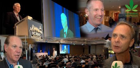 Presentador en una viga de video en la Conferencia de Negocios Internacional de Cannabis