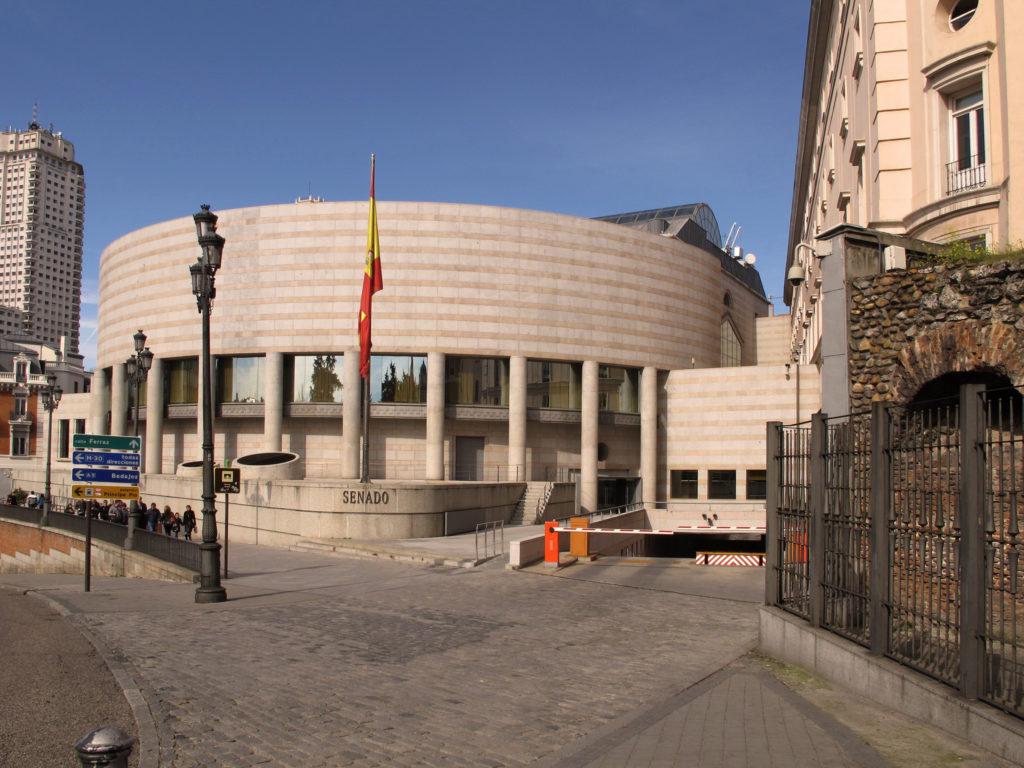 Unidos-Podemos Presenta PNL Para Regular Cannabis en España - Sensi Seeds Blog