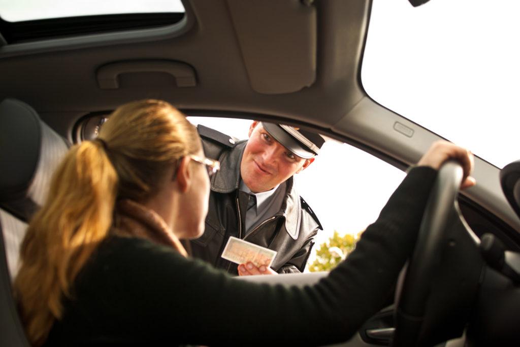 Wie verhalte ich mich bei einer Verkehrskontrolle? - Sensi Seeds Blog