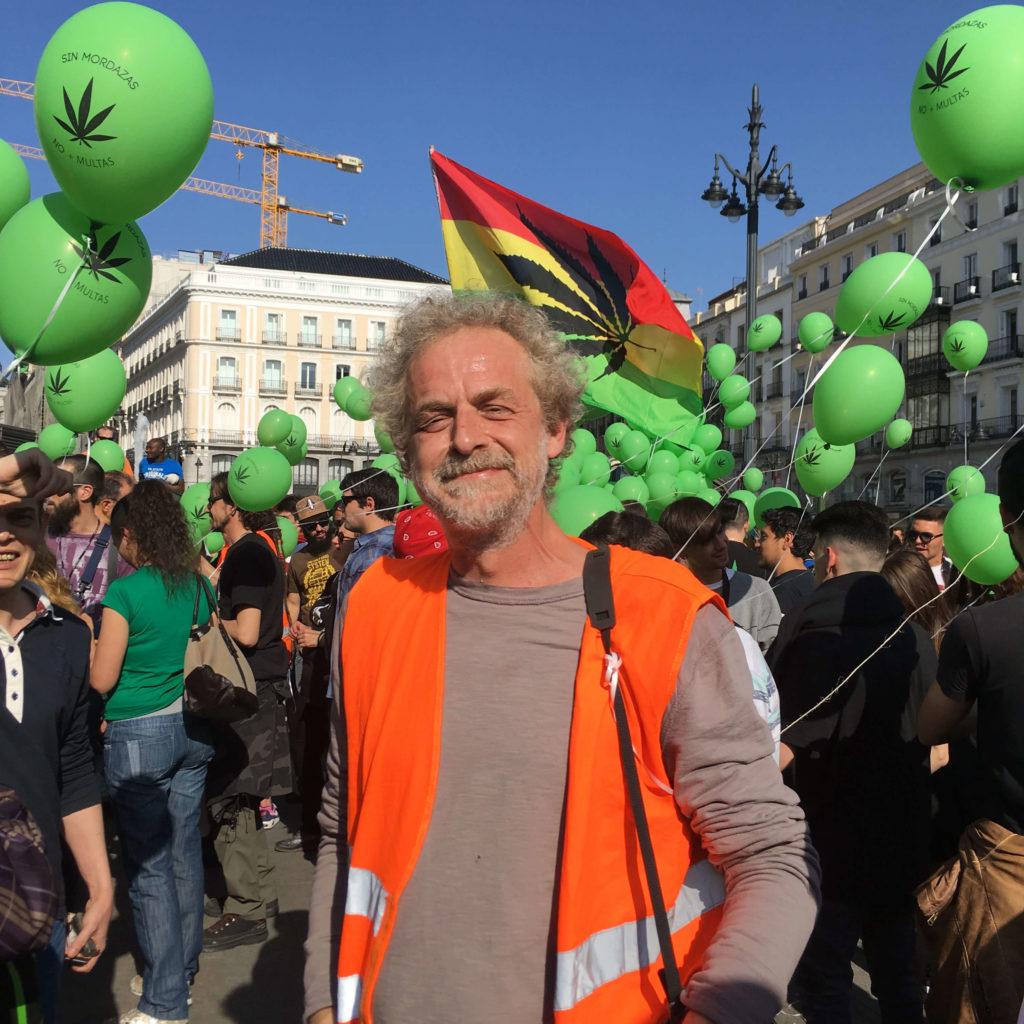 GLOBOS VERDES Y BUEN ROLLO EN LA 22ª MARCHA MUNDIAL DE LA MARIHUANA DE MADRID