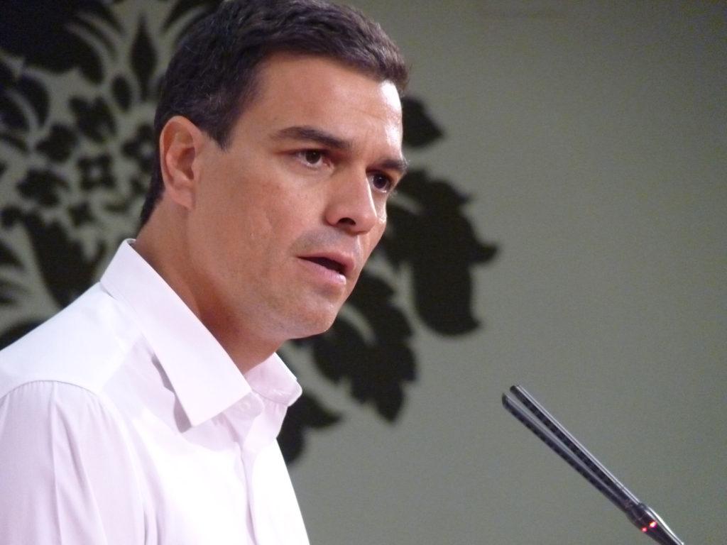 Foto van Pedro Sanchez, leider van de Socialistische Partij, bijgenaamd 'Mr Handsome'.