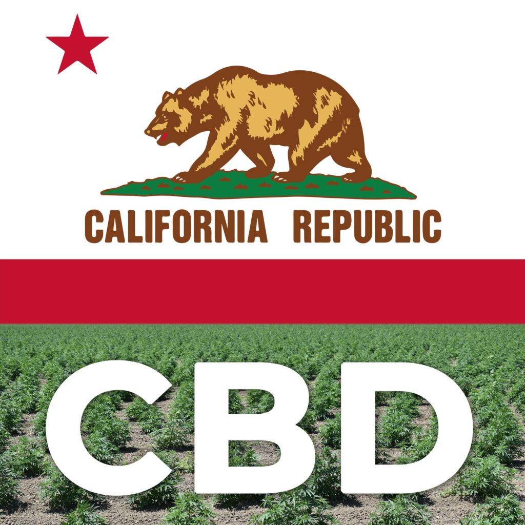 Die kalifornische Flagge und ein Feld von Cannabis-Pflanzen