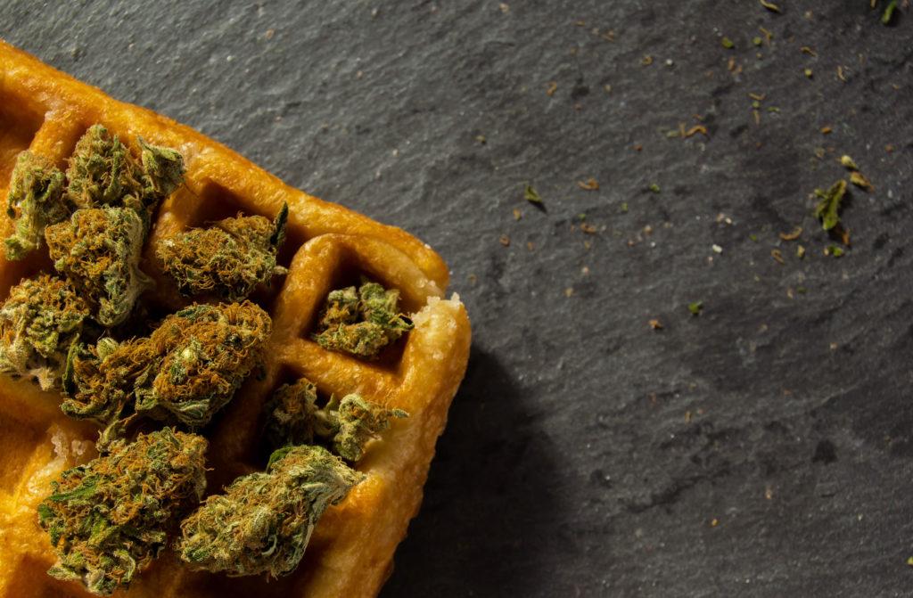 Cannabis en una gofre belga