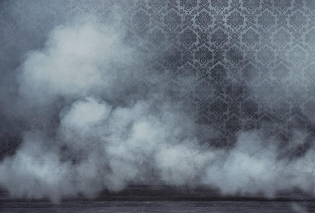 Rauch füllt einen Raum