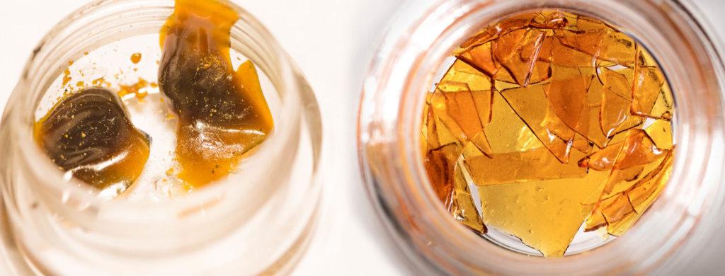 Cannabis Wachs und zersplittern in zwei Glasgläsern