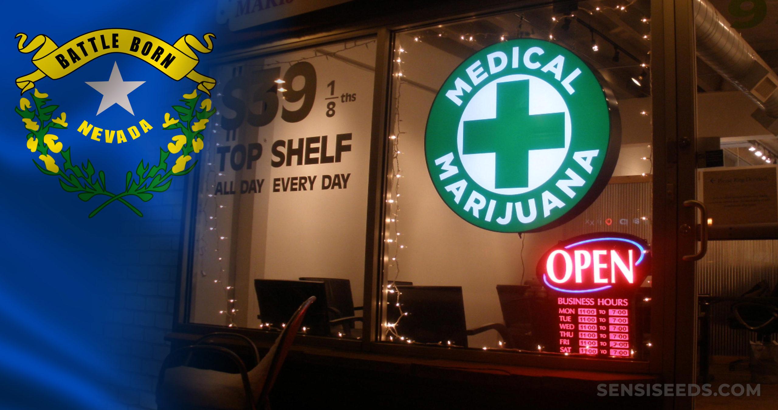 Die Nevada-Flagge und ein medizinischer Marihuana-Eispsitzereingang