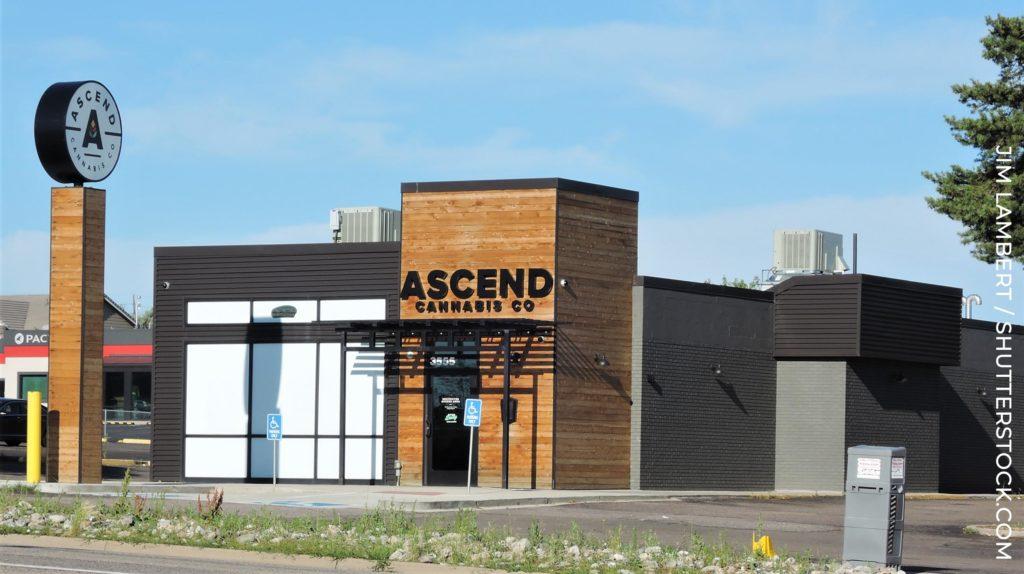Ascend Cannabis CO-gebouw