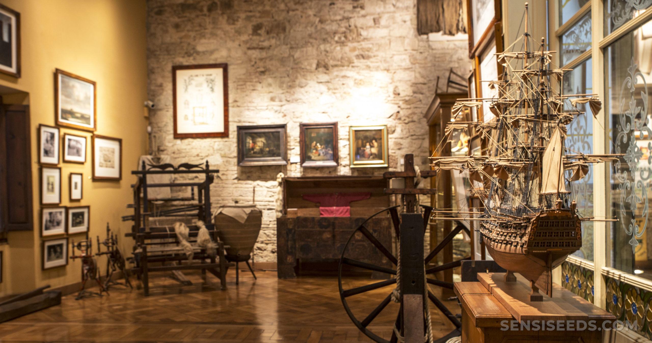 Une chambre à l'intérieur du Barcelone Hash Marihuana & Museum de chanvre