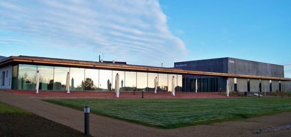 """Die """"Espace Eco-Chanvre"""", im Dezember 2013 eingeweiht, wurde komplett aus Hanfbeton gebaut und empfängt alle Akteure der Hanfindustrie."""