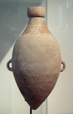 Keramik aus den Dorf Xi'an Banpo mit aufgeprägter Schnur aus Hanf.