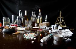 Sowohl legale als auch illegale Drogen gehören zur Lebenswelt der Figuren in zahlreichen unterschiedlichen Comicgeschichten (cabrera.photo)