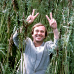 A jubilant Ben Dronkers in a field of Dutch hemp