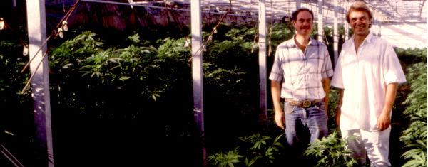 Ben Dronkers y Ed Rosenthal en el Cannabis Castle