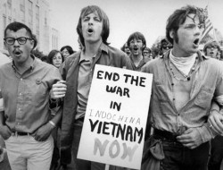 Cannabis in Thailand - 3 - U.S. tactics in the Vietnam War led to a huge counter-culture movement, which embraced cannabis use (© www.alhsoralhistoryproject.org)