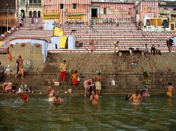 The holy city of Veranasi on the banks of the Ganges river. (source: Wiki Travel)