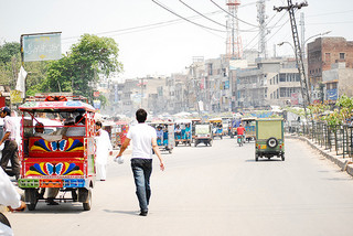 Rickshaw drivers in urban areas will often offer hashish to tourists, but may be in cooperation with police (PSIT)