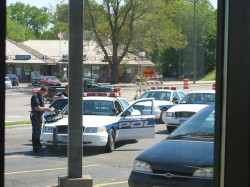 foto 1-police bust.DarlingSnail.flickr