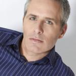 David Sirota, presentador y comentarista político liberal