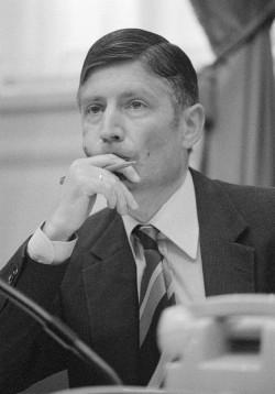 El Ministro Dries van Agt en 1978.