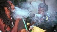 La marihuana, considerada sagrada por los rastafaris.AP