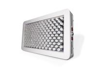 Las luces de cultivo LED Platinum P450 ofrecen la tecnología de espectro de 11 bandas