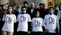Personas en contra de la Ley Mordaza.EMILIO NARANJO | EFE