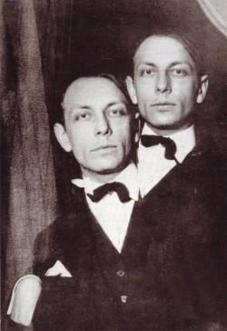 El escritor y pintor belga Henri Michaux (1899-1984)