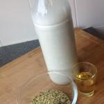 Selfmade hemp milk - Sensi Seeds blog