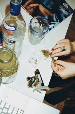 La respuesta del cerebro a la nicotina, al alcohol, al cannabis y a otras sustancias adictivas es compleja, y aún no se ha explicado del todo (© Brian James)