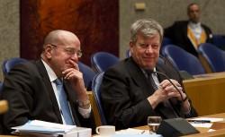 Opstelten et de son secrétaire d'état à la Sécurité et la Justice, Fred Teeven.
