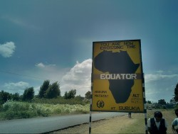 Dans les zones de haute altitude, comme les montagnes du Kenya, le climat de la savane équatoriale est prédominant
